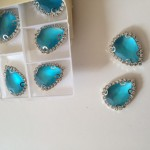 blauwe steentjes