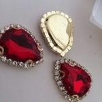 Rode luxe steentjes