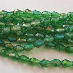 Groene glaskralen druppelvorm